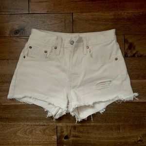 Levi's 501 shorts in Natural Instinct - size 24